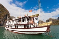 Ha long Bay Cruise and Cat Ba Island Hotel 3 Days 2 Nights