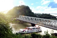 Thanh Hoa City Tour - Ma river A Half Day VIP Cruise